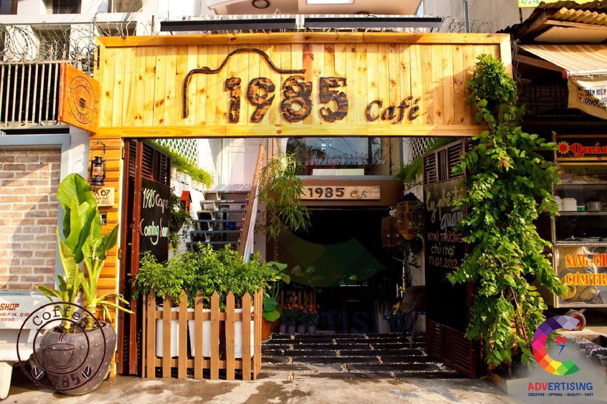 bảng hiệu quán cafe đẹp bằng gỗ