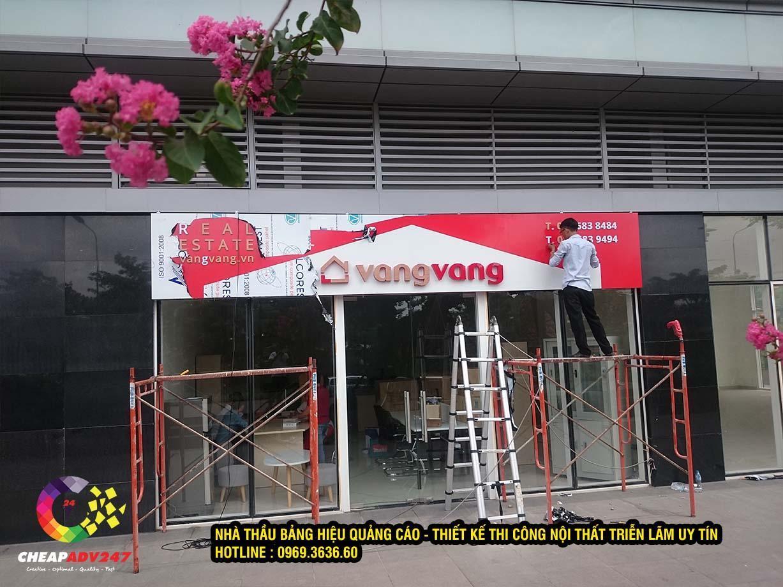 Thiết kế thi công showroom BDS VangVang