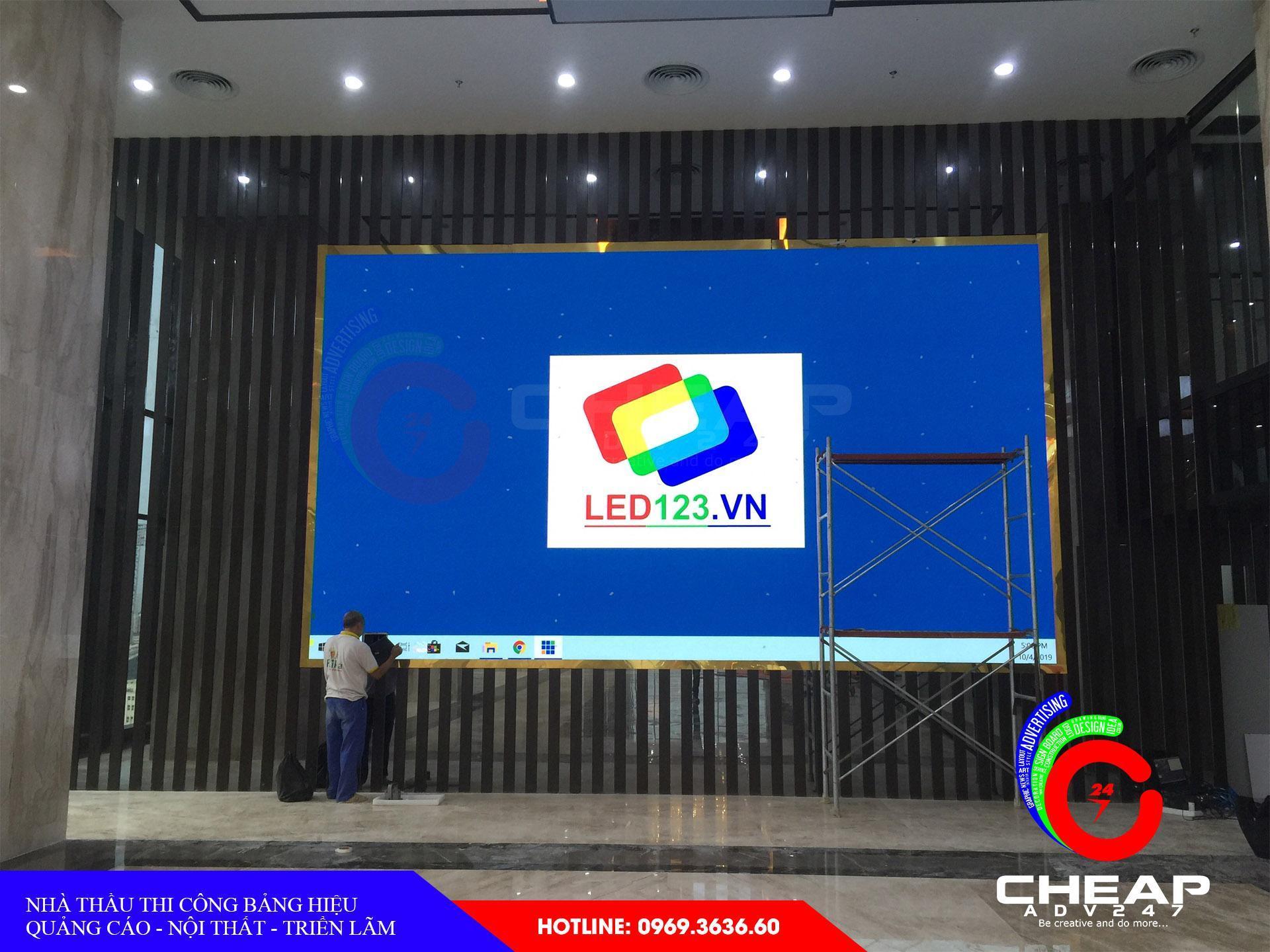 Làm bảng hiệu bằng màn hình led cỡ lớn tại cheapadv247