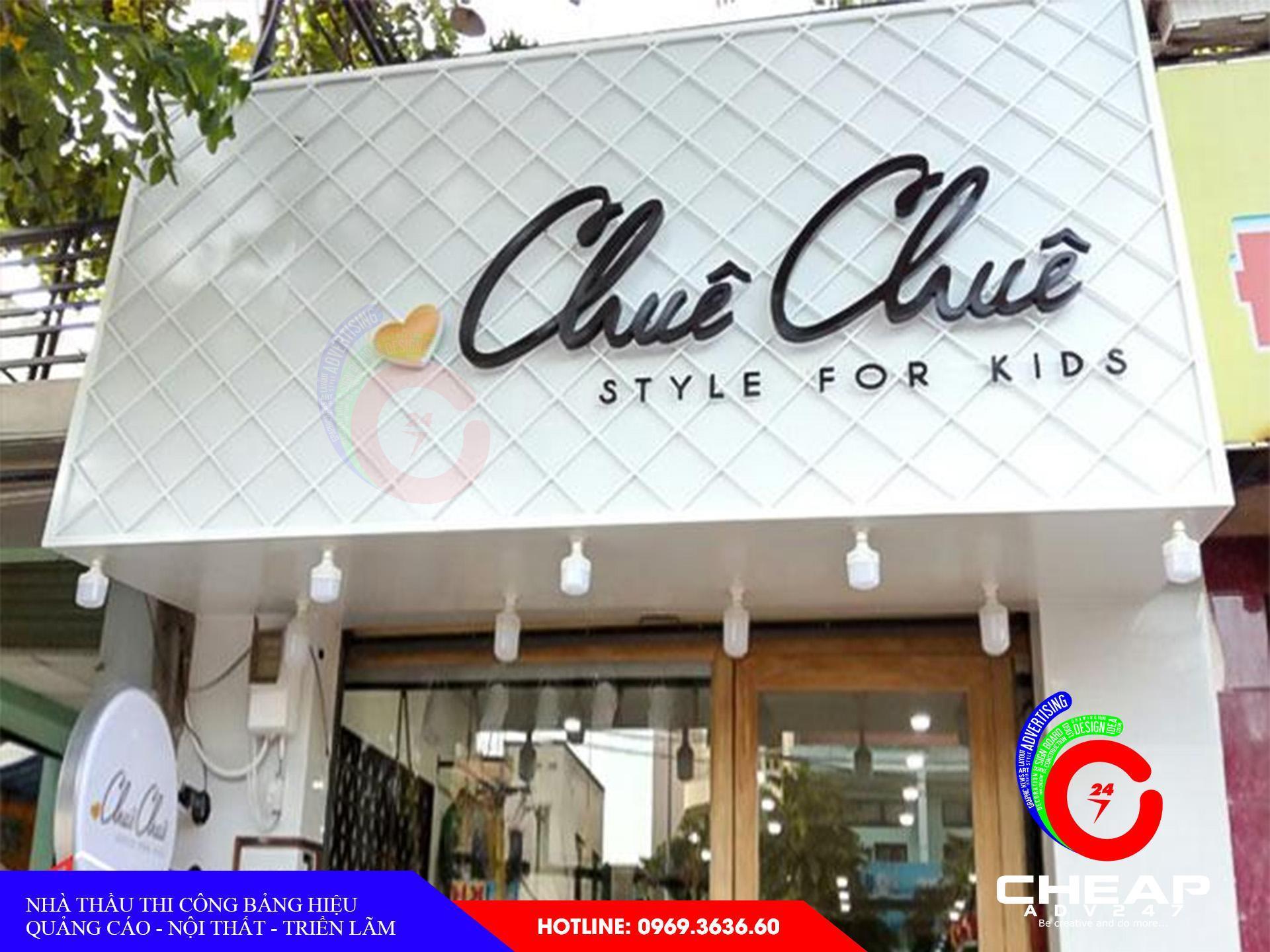 Ảnh làm biển hiệu cửa hàng shop thời trang của cheapadv247