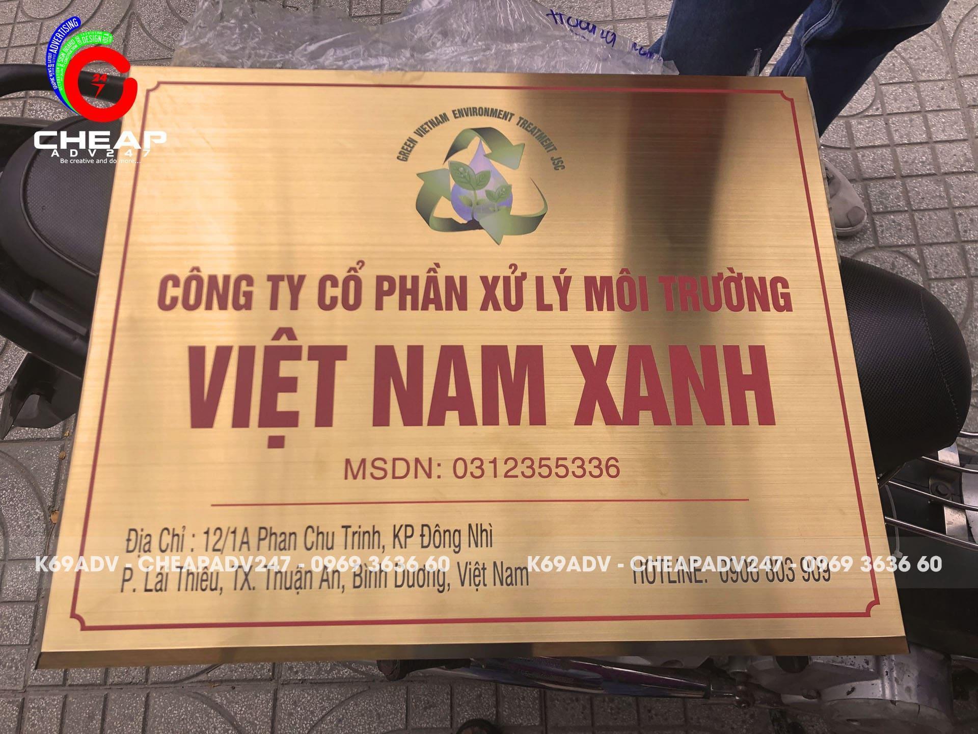 Ảnh làm bảng hiệu công ty inox in UV Việt Nam Xanh