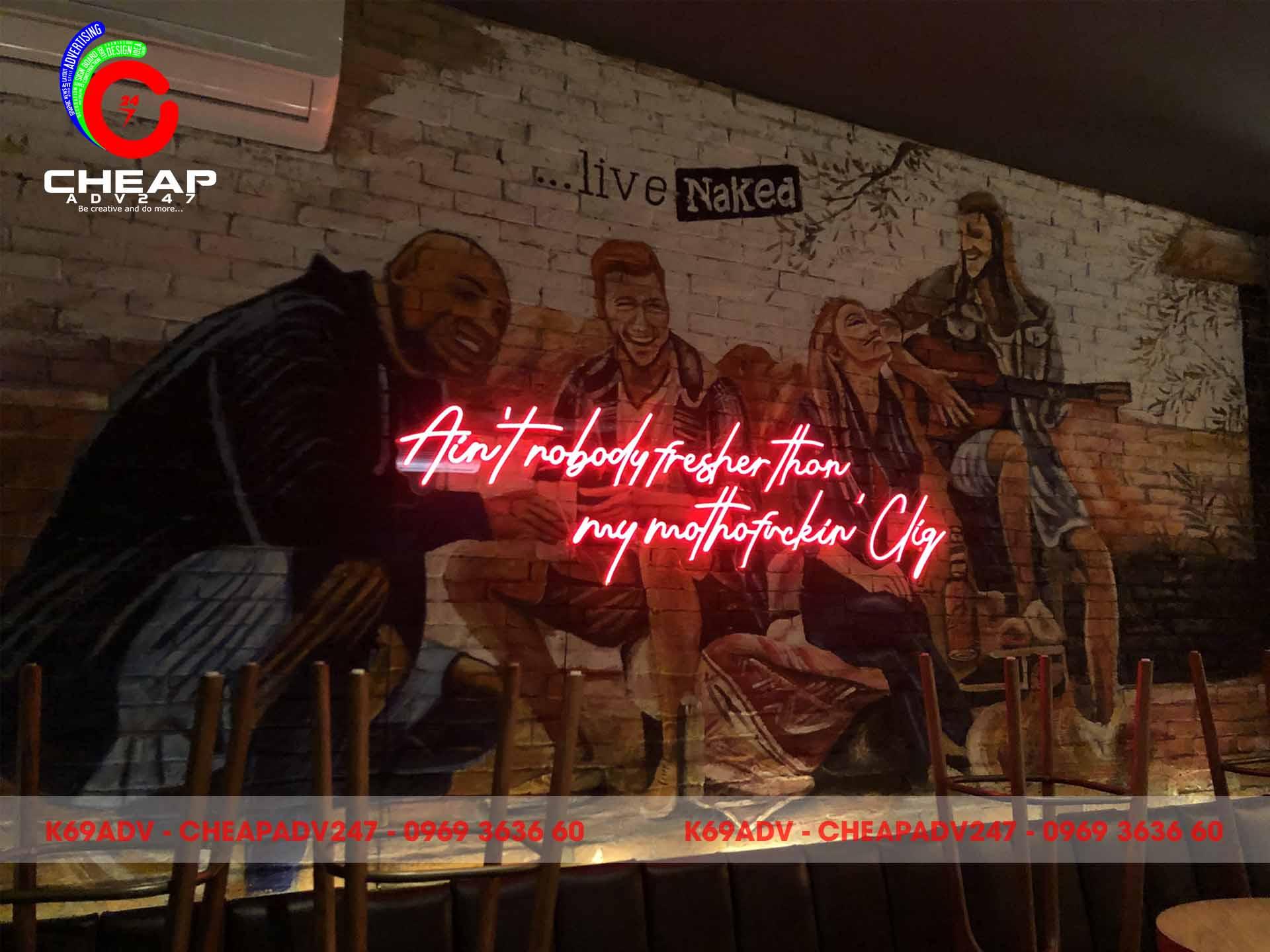cận cảnh Bảng Hiệu Led Neon Sign Tại Quán Bar Cliq Sài Gòn Của Cheapadv247